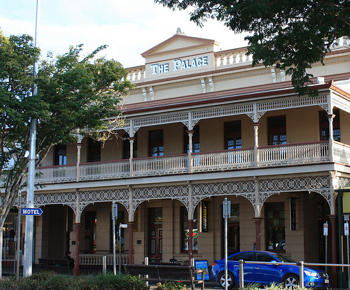 backpacker accommodation queensland