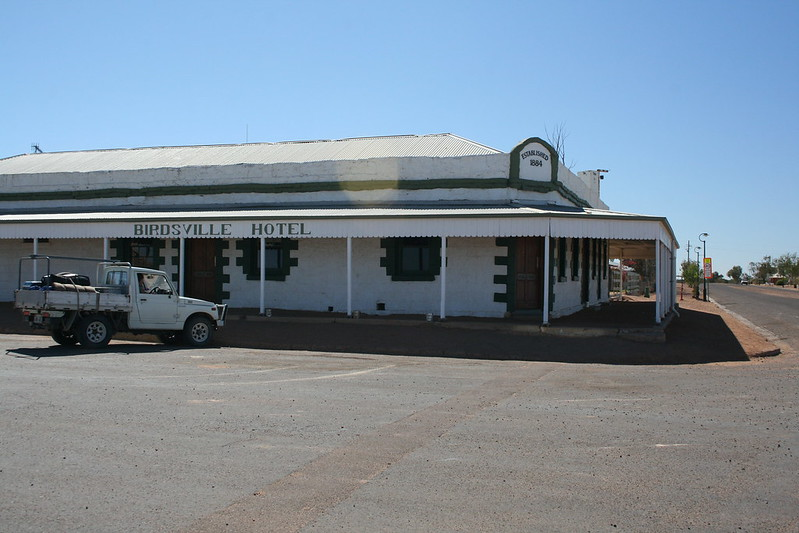 places to stay in queensland