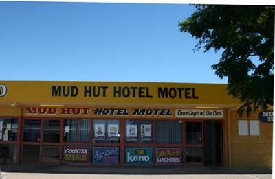 Mud Hut Hotel, Richmond